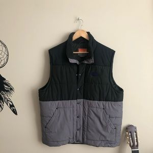 Merrell Sleeveless Puffer jacket🌻🌻